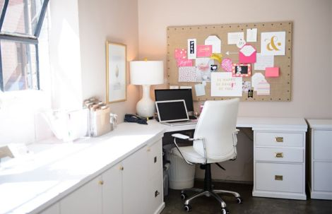 Sugar Paper LA workspace. Photo by The Every via Pinterest. Love the huge mood board